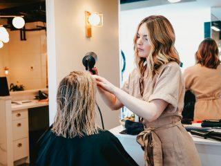 Chọn tiệm làm tóc chuyên nghiệp nào tại TP.HCM cho mùa lễ hội năm nay?