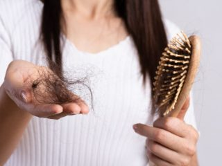 Từ tóc mỏng đến hói đầu, đây chính là 6 giai đoạn của tình trạng rụng tóc nàng phải đề phòng!