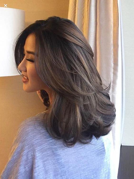 tóc ngắn ngang vai uốn