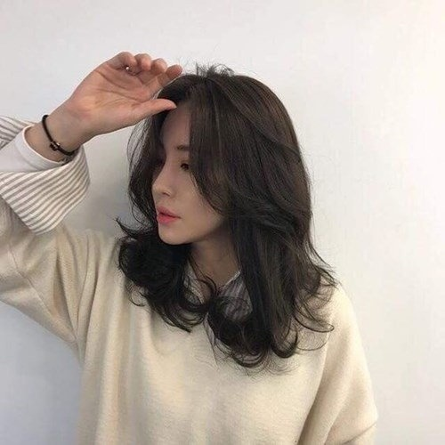 tóc uốn ngang lưng