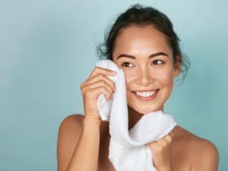 Chú ý! Có da nhạy cảm thì bạn phải chú ý đến các tips rửa mặt đúng cách này!