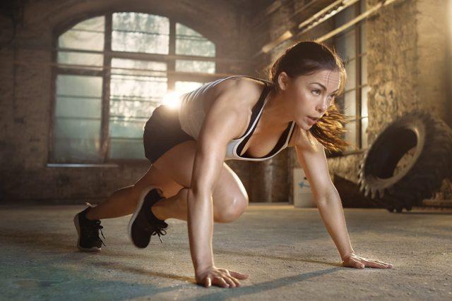 """""""Lăn xả"""" ngày Tết cùng với các bài tập thể dục giảm cân hiệu quả"""