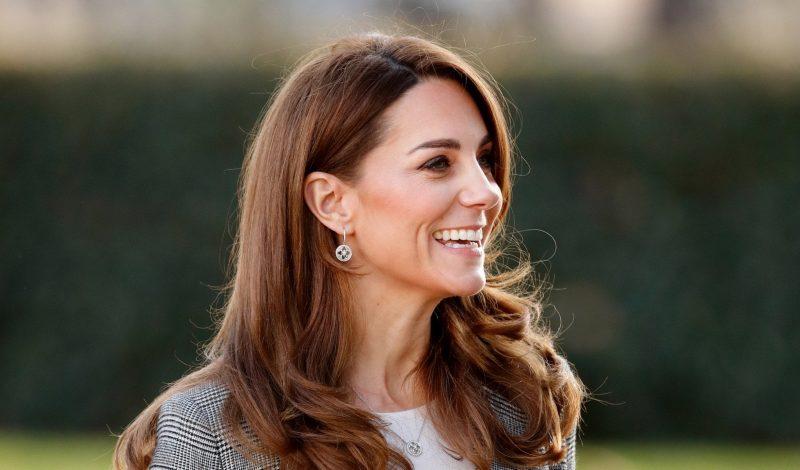 Muốn có vẻ ngoài lộng lẫy như công nương Kate Middleton? Chọn ngay các sản phẩm làm đẹp sau!