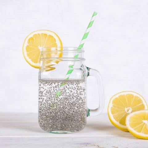 thức uống detox với hạt chia giảm cân