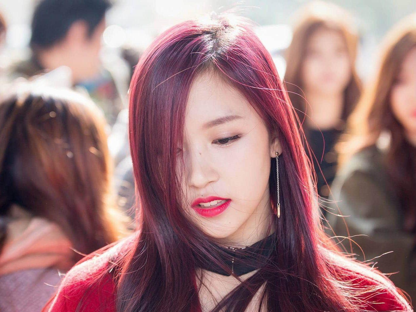 nhuộm tóc đỏ tím
