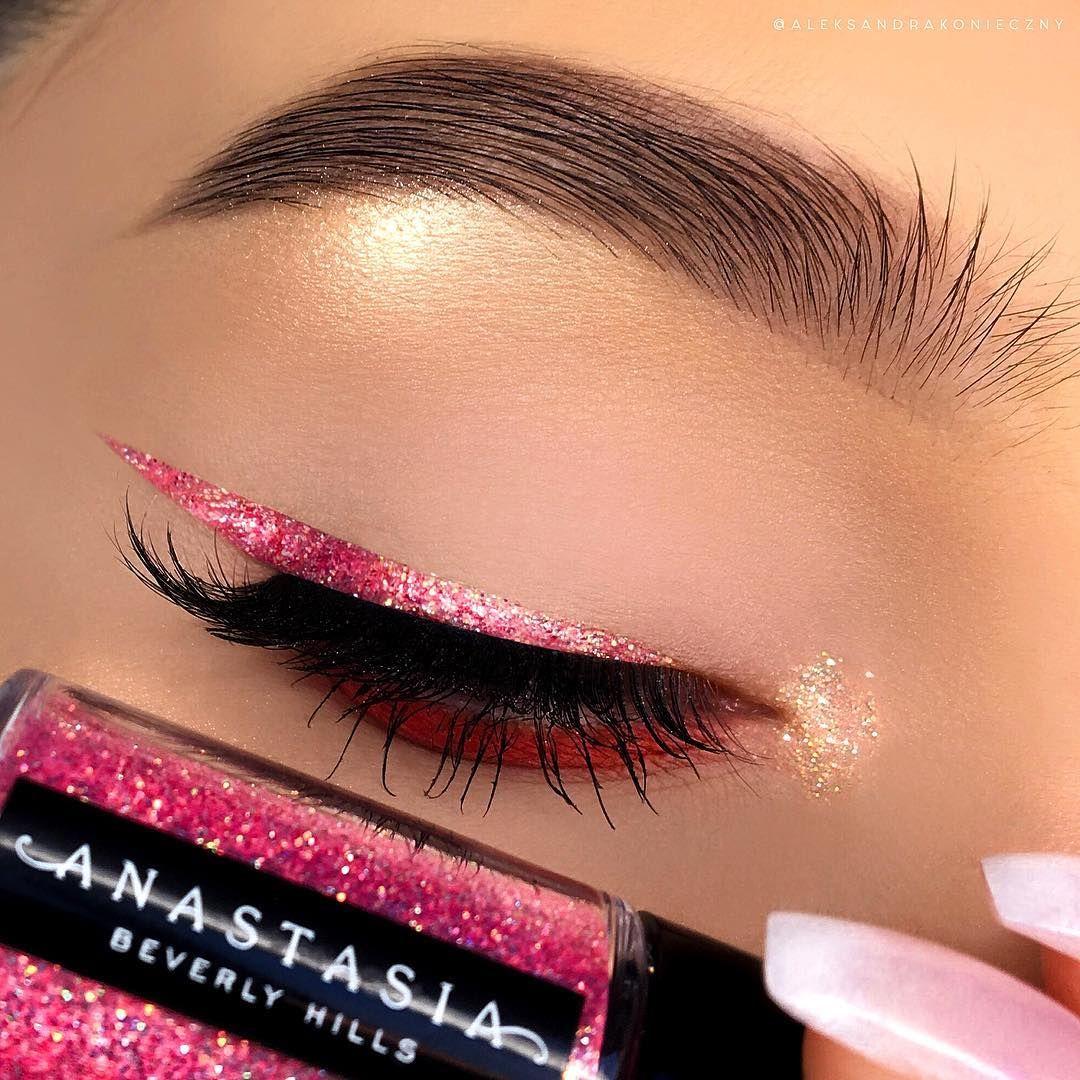 nhũ kim tuyến makeup