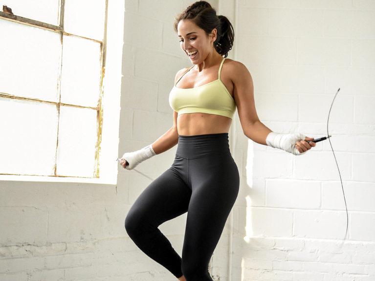 Nhảy dây giảm cân có bị to bắp chân hay không?