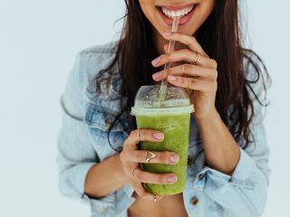 12 công thức nước ép cần tây giảm cân trị mụn chống cảm tốt