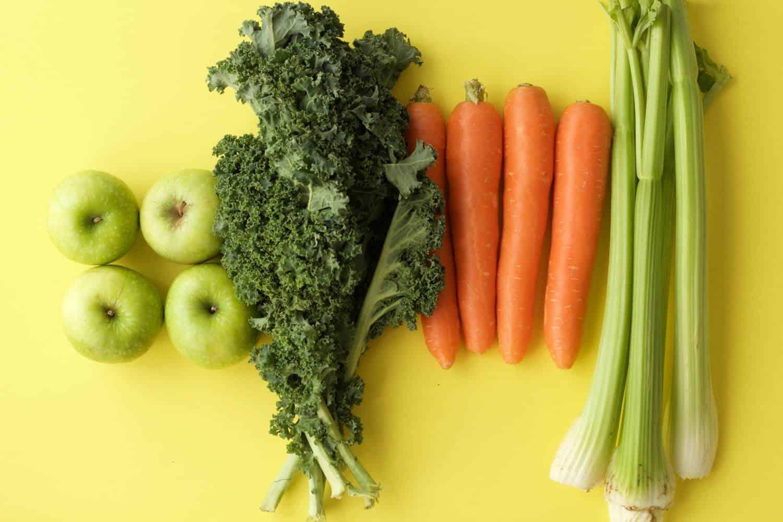 cách uống nước ép cần tây giảm cân với cà rốt