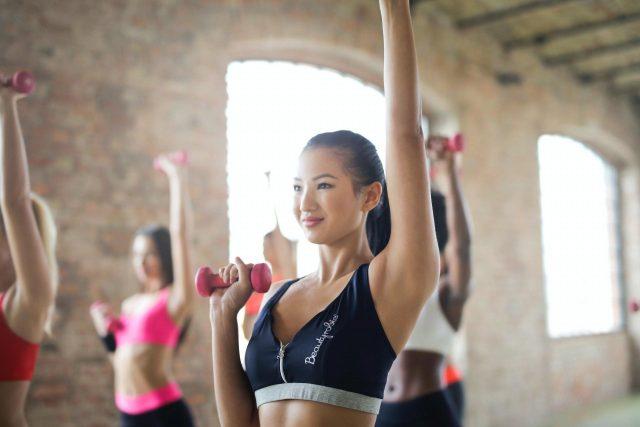 10 bài tập ngực cho nữ đơn giản giúp tăng kích thước vòng 1 cực hiệu quả