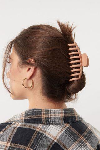 4 cách tẩy tế bào chết da đầu bằng đường nâu đơn giản nhưng lại cực hiệu quả dành cho cô nàng da đầu dầu