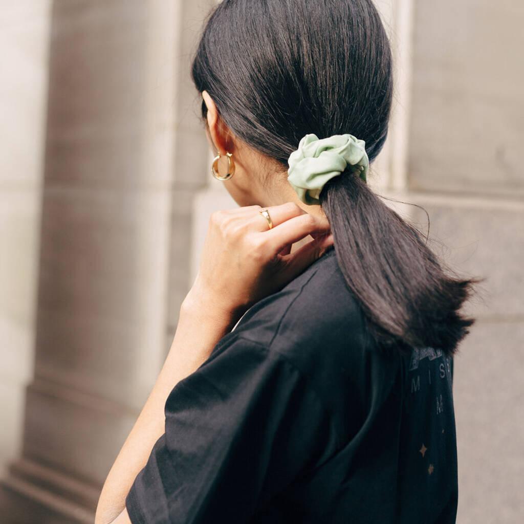 Scrunchie buộc tóc