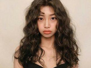 Tóc uốn ngang vai Hàn Quốc dễ thương