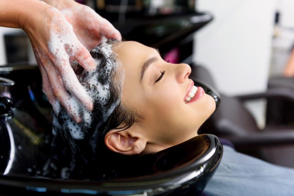Gội liền ngay khi làm ướt tóc