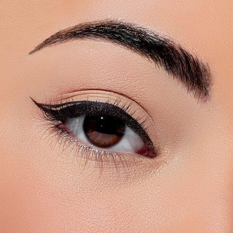 Eyeliner là gì? Review 5 loại eyeliner tốt được yêu thích nhất