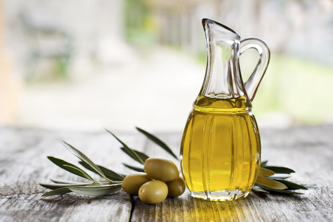 xịt dưỡng tóc từ Glycerin + Dầu ô liu