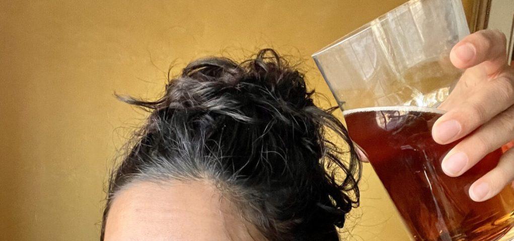 Phương pháp xử lý tóc bết bằng bia
