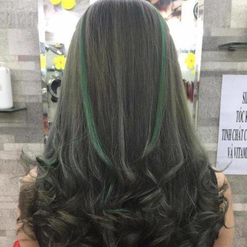 màu tóc cho da ngăm highlight nâu rêu