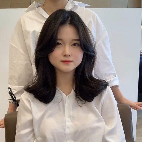 tóc mái dài cho mặt vuông