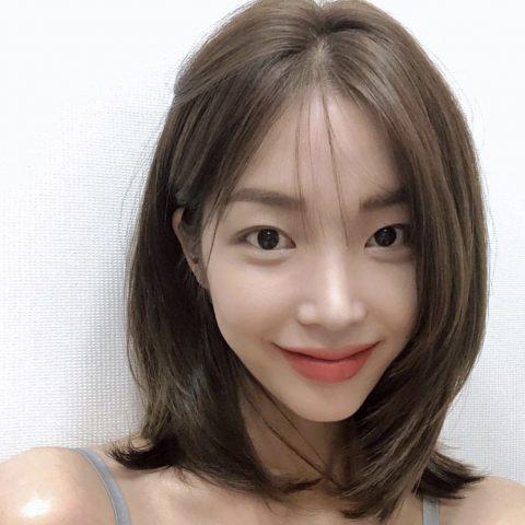 Cắt tóc layer nữ ngắn cho mặt vuông