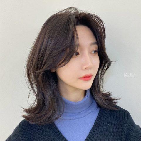 Tóc ngắn ngang vai mái bay (tóc 2 mái)