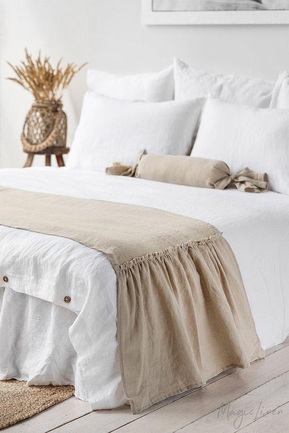 trang trí nội thất bằng việc thay Drap giường hoặc gối