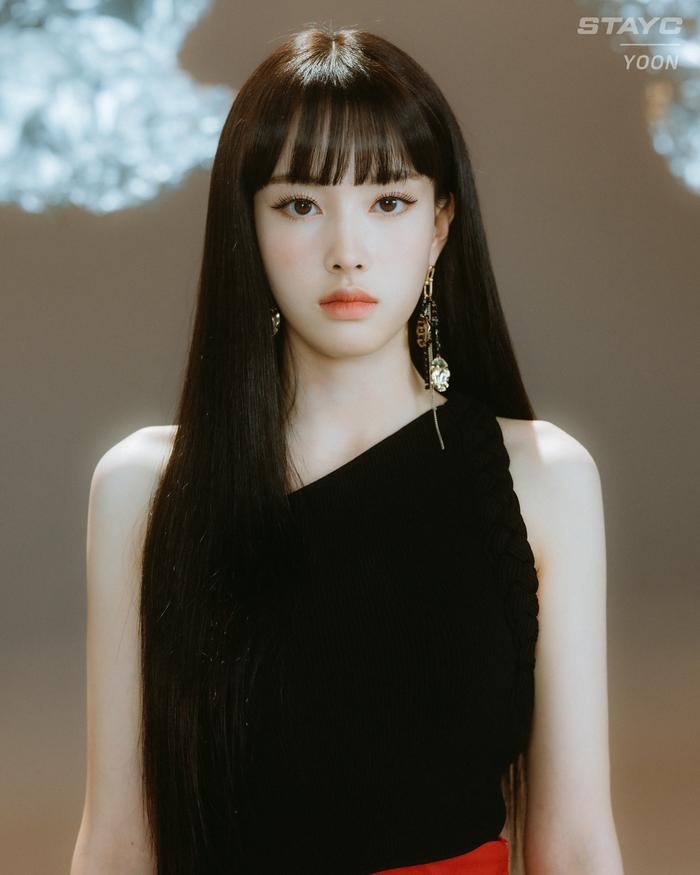 Idol nữ Yoon (STAYC)