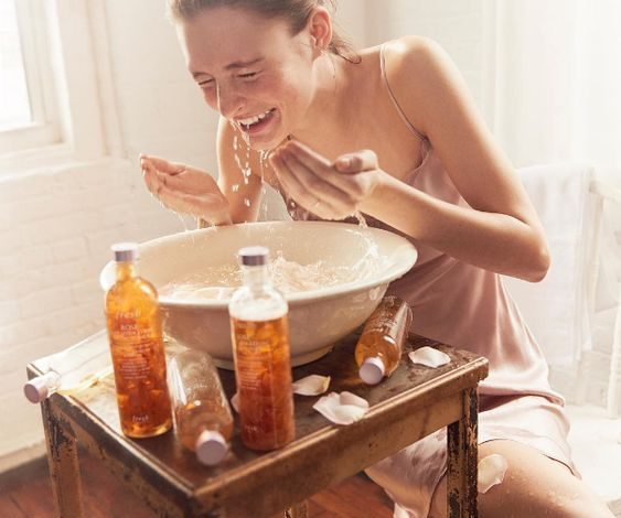 Mẹo làm sạch da mặt đúng cách cho làn da sáng mịn, ngăn lỗ chân lông to