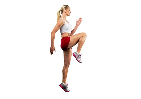 chạy nâng cao đùi - aerobic giảm mỡ bụng