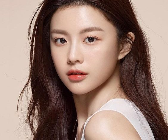 7 bước dưỡng ẩm da của người Hàn cho làn da căng bóng