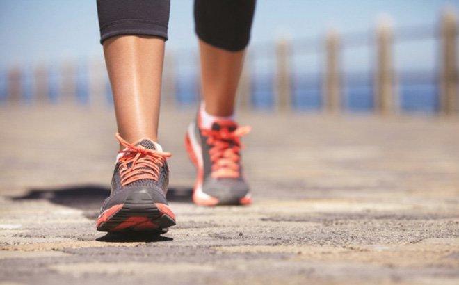 bài tập thể dục giảm cân sau sinh hiệu quả - đi bộ
