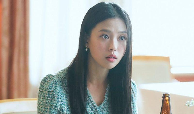 """""""Thơ thẩn"""" trước nhan sắc của Go Min Si, Keum Sae Rok trong phim Youth Of May"""