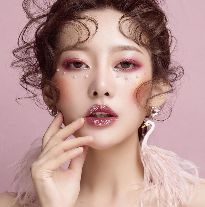 makeup artist chuyên nghiệp