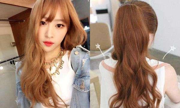 Tóc màu hạt dẻ sáng giúp nàng trông nổi bật hơn