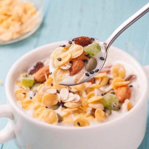 bữa sáng giảm cân với ngũ cốc