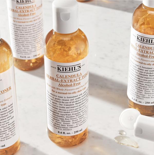 sản phẩm trị mụn tốt nhất hiện nay Kiehl's Calendula Herbal Extract Alcohol Free Toner
