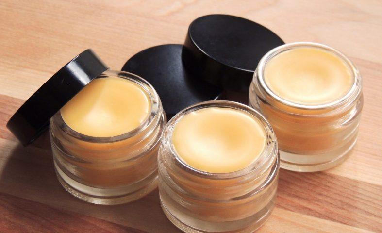 Cách làm son môi không cần sáp ong