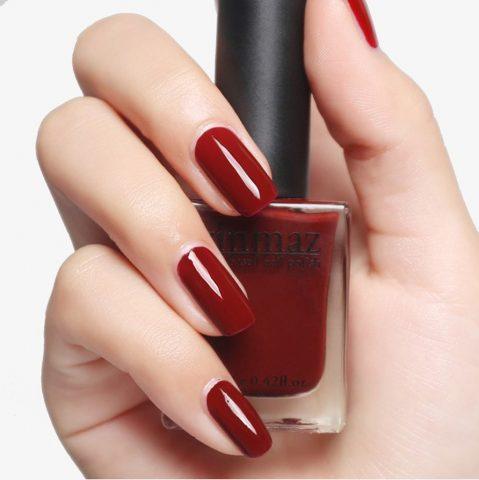 Sơn móng tay đẹp màu đỏ cổ điển