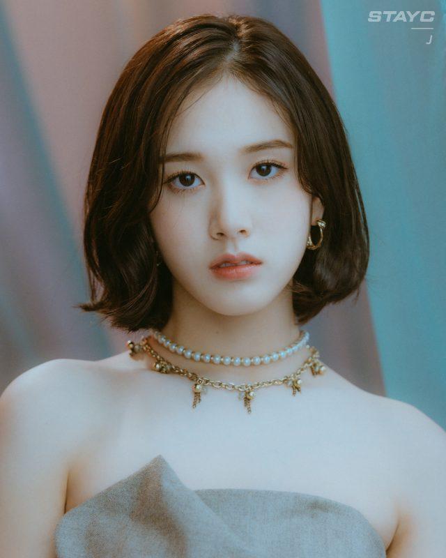 idol nữ J (STAYC)