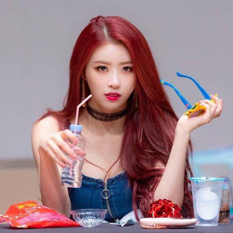 Tóc màu đỏ burgundy - Màu tóc cho da ngăm