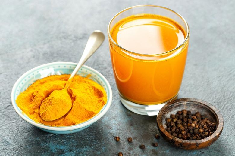 Cách pha trà gừng giảm cân với tinh bột nghệ
