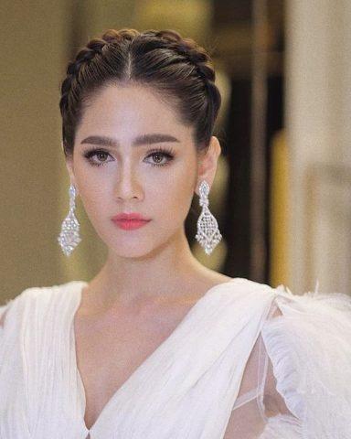 Trang điểm cô dâu tone Thái Lan
