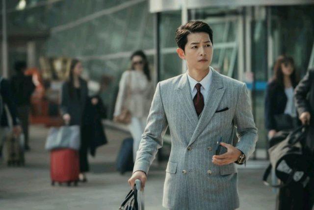 """Ngắm Song Joong Ki – Đẹp từ thần thái lẫn phong cách thời trang ăn mặc """"đỉnh của chóp"""""""