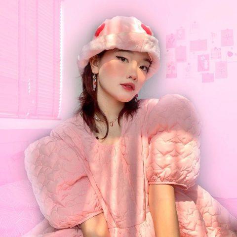 """Phong cách Soft Aesthetic là gì? Gợi ý phối đồ để trở thành cô nàng """"soft girl"""" nổi bật trong mùa hè này"""