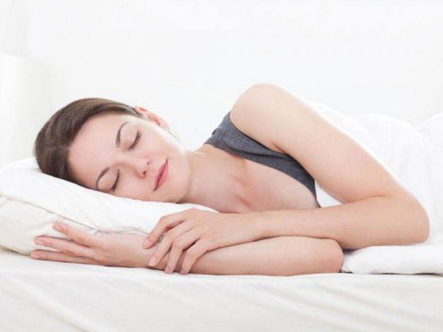 Ngủ đủ giấc cũng là cách giảm cân tại nhà