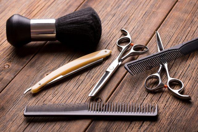Hướng dẫn tự cắt tóc tại nhà đơn giản dành cho người nghiệp dư: Cắt chuẩn và nhanh