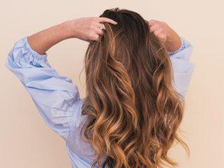 """15 mẹo """"chữa cháy"""" mái tóc bết trở nên bồng bềnh cho nàng tóc mỏng từ các nhà tạo mẫu tóc chuyên nghiệp ở Singapore"""