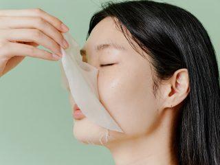 Cách phân biệt bạn đang bị đẩy mụn (Purging) hay kích ứng da (Breakout) để tìm cách chăm sóc da phù hợp