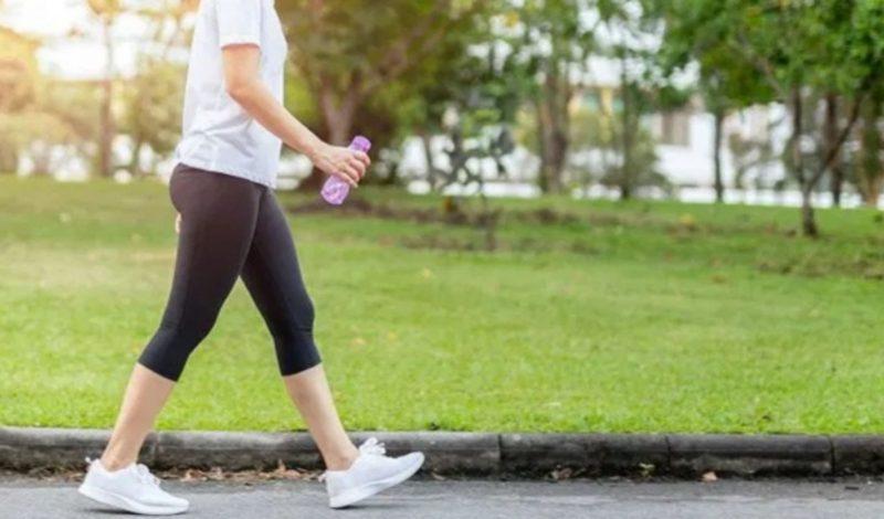 Tiết lộ cách đi bộ giảm béo bụng của người Nhật: khoẻ – trẻ – tiêu mỡ