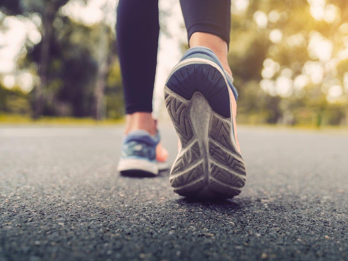 Đi bộ sau khi ăn xong